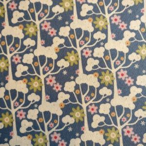 Tilda, Patchwork stof i 100% bomuld, blå med hvide træer