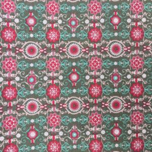 Patchwork stof i 100% bomuld, grøn med røde nuancer